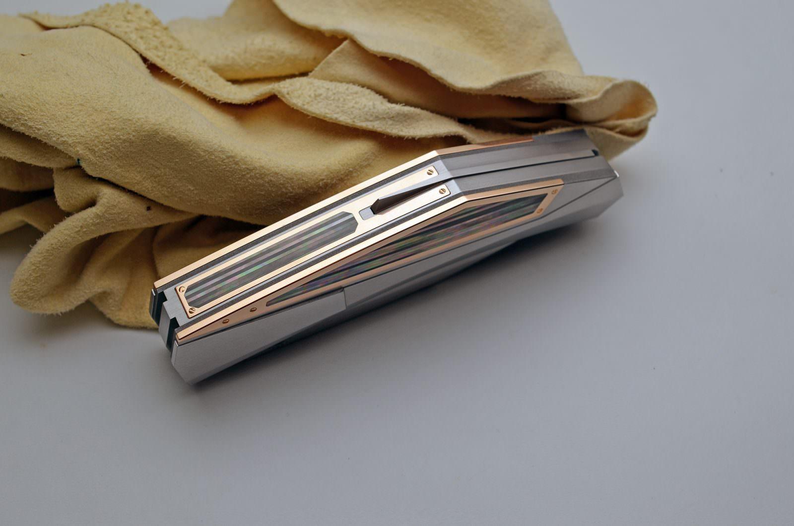 custom folding knife